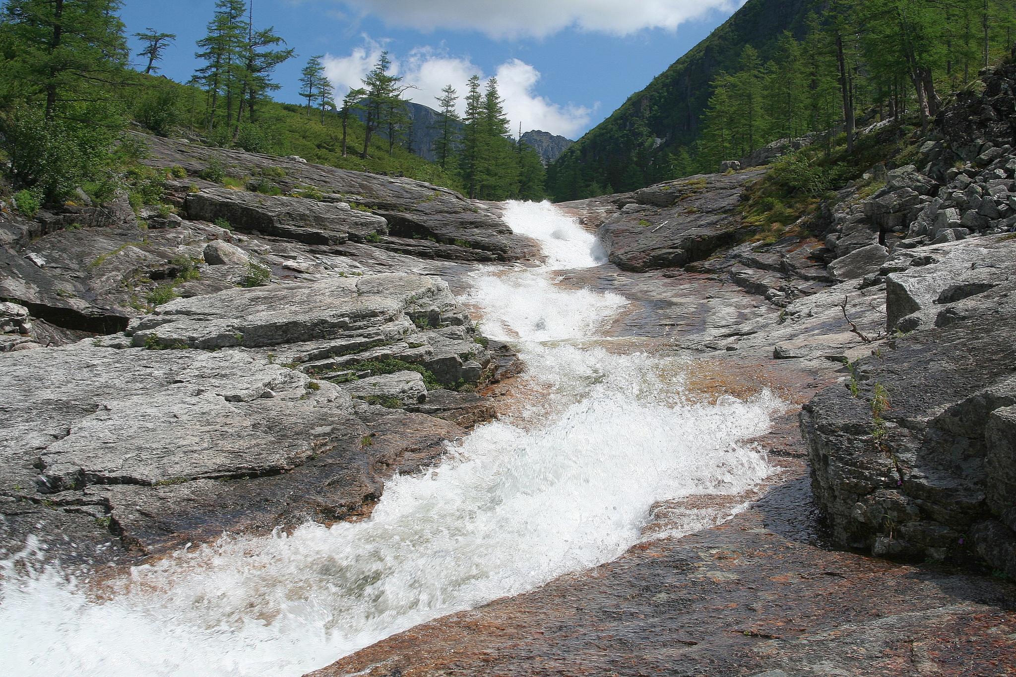 Водопад на ручье Медвежий