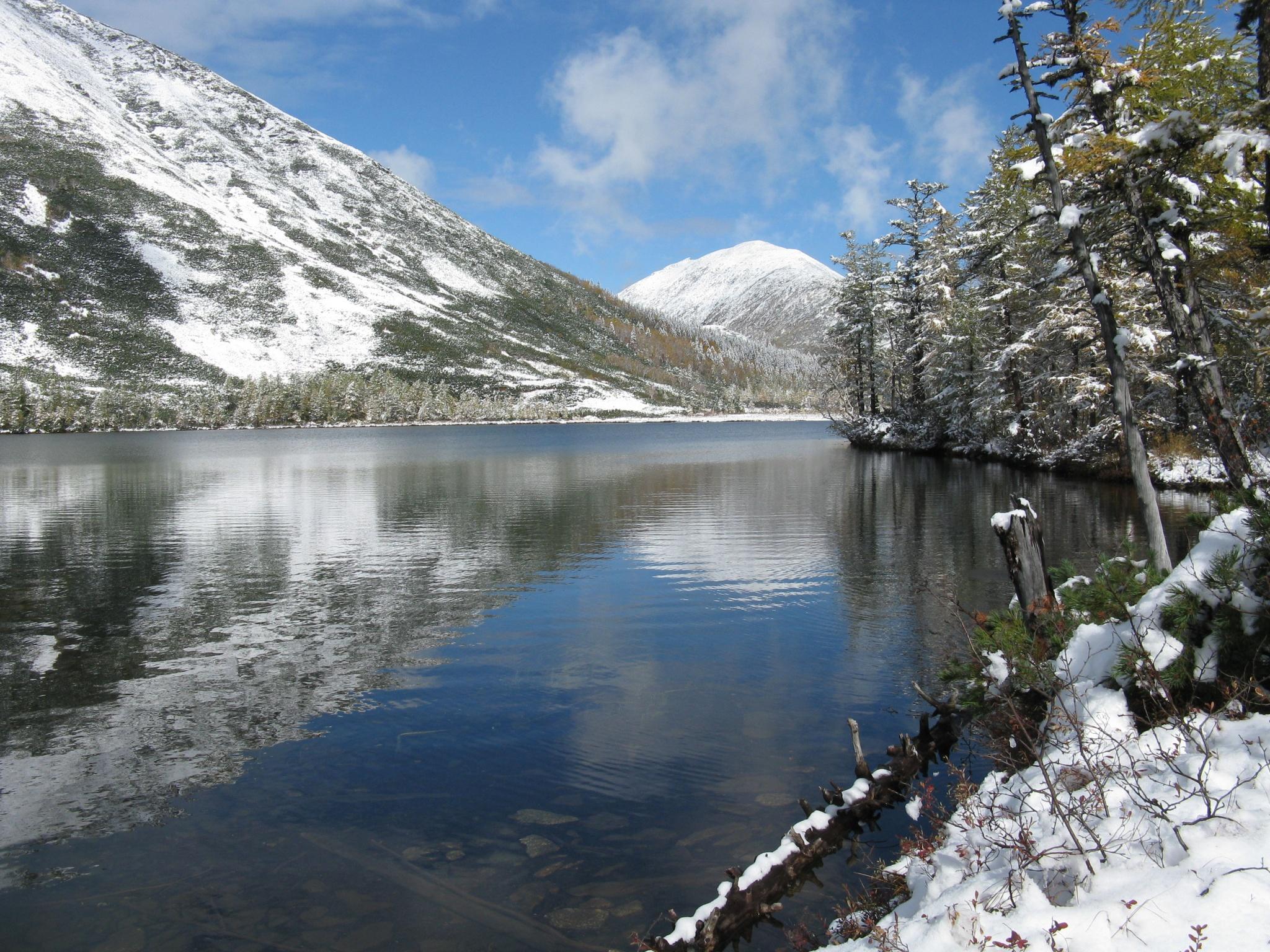 Озеро Корбохон в середине сентября.